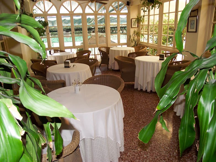 well renowned freehold restaurant - 6