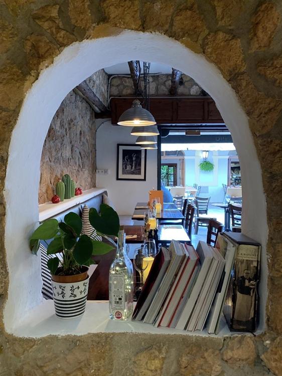 charming little restaurant ibiza - 7