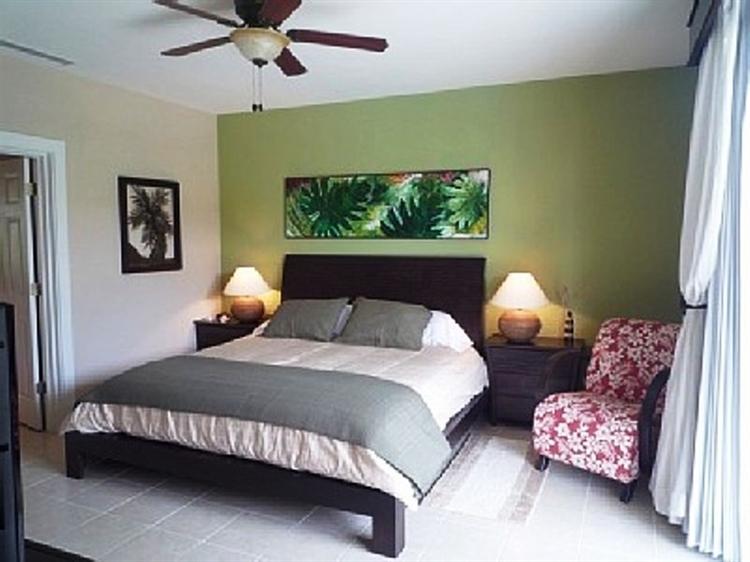 lifestyle 2 bedroom condo - 4