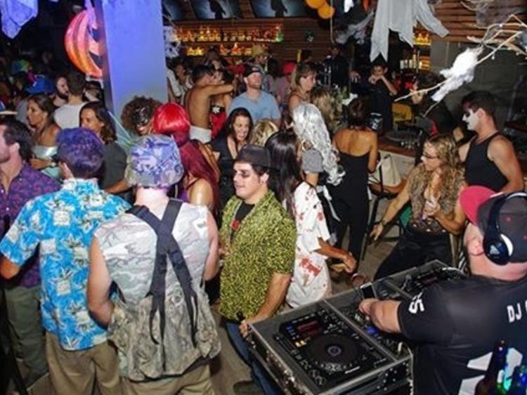 popular bar tamarindo - 6