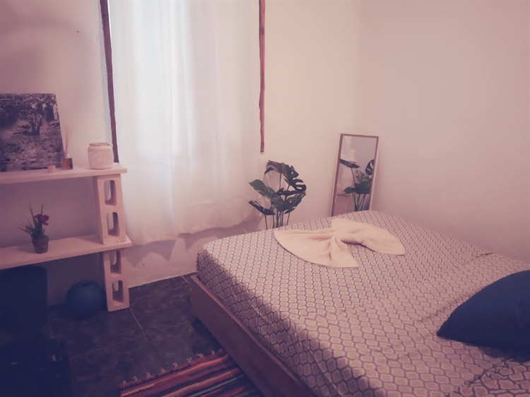 youth hostel at six - 10