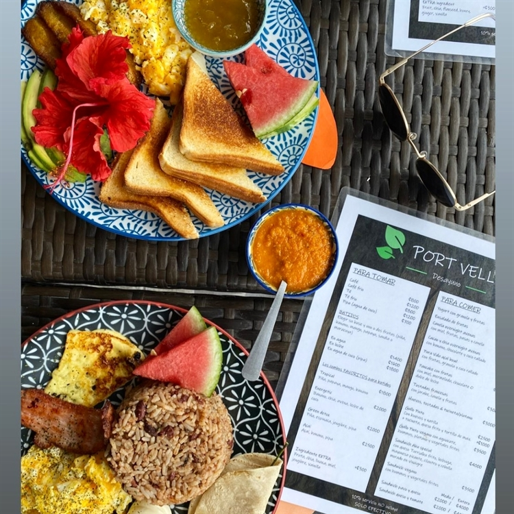established profitable breakfast café - 5