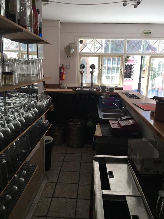 cosy bar pub busy - 5
